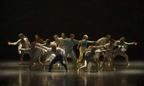 エネルギーとパワー炸裂のフィナーレ。ダンス大好き女子85人の表情が最高!そのエネルギーのシャワーを浴びよう!日本女子体育大学・舞踊学専攻卒業公演5回シリーズの最終回。